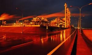 Giá dầu lập đỉnh mới khi hy vọng sản lượng dầu Mỹ giảm