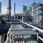 Giá dầu bắt đáy 3 tháng, mất mốc 60 USD/thùng