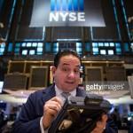 Dow Jones và S&P tăng điểm cùng giá dầu