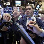 Chỉ số Dow Jones tiếp tục thăng hoa
