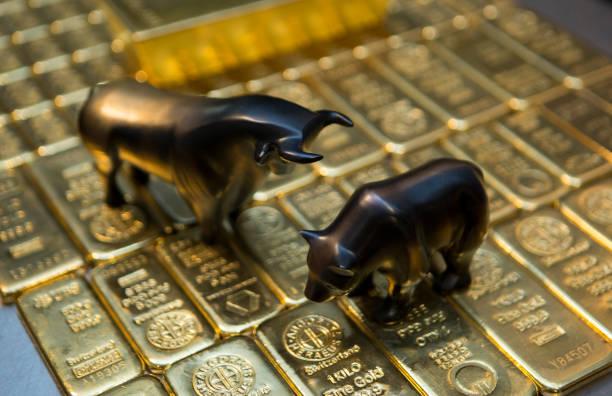 180827-gold-bars-bull-bear