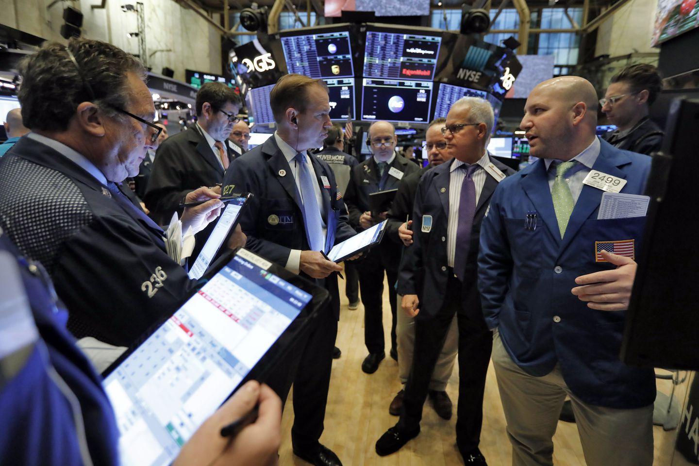 2020-03-03-trader-on-new-york-stock-exchange
